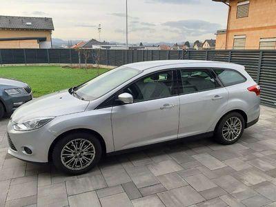 gebraucht Ford Focus Traveller Easy 1,6 TDCi Kombi / Family Van