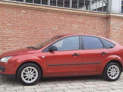 gebraucht Ford Focus Trend 1,6 TDCi Klein-/ Kompaktwagen