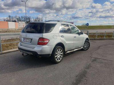 gebraucht Mercedes ML320 M-Klasse4 matic SUV / Geländewagen