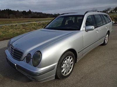 gebraucht Mercedes E220 E-KlasseElegance CDI Kombi / Family Van,