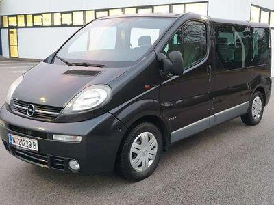 gebraucht Opel Vivaro Tour Flexx-Pack L1H1 2,5 DTI 2,9t