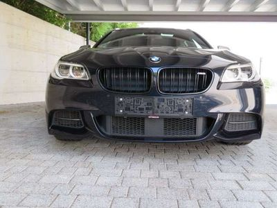 gebraucht BMW M550 5er-Reihe d Touring TV, Stdhzg. Sitzklima Pano keyless Kombi / Family Van