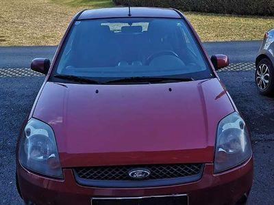 gebraucht Ford Fiesta 1,25 Benzin Sportwagen / Coupé