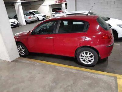 gebraucht Alfa Romeo 147 1.6i twinspark Klein-/ Kompaktwagen