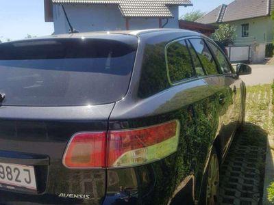 gebraucht Toyota Avensis 2,2 D4-D 150 D-CAT Comfort Aut.