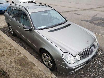 gebraucht Mercedes E220 E-KlasseAvantgarde CDI A-Edition Aut. Kombi / Family Van