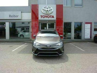 gebraucht Toyota Avensis 1,6 D4-D *NAVI*KAMERA*PARKSENSOREN*