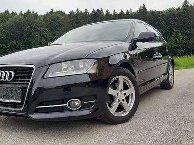 gebraucht Audi A3 Sportback Comfort Edition 1,6 TDI DPF Limousine