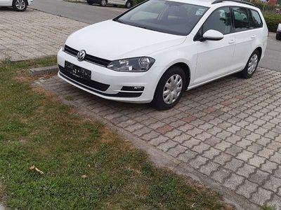 gebraucht VW Golf VII Variant Trendline 1,6 TDI Kombi / Family Van