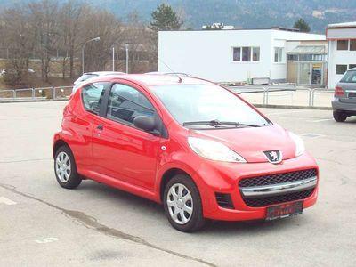 gebraucht Peugeot 107 Junior 1,0 12V Gepflegtes Fahrzeug erst 60,000 km Eintausch möglich !!!!! Klein-/ Kompaktwagen