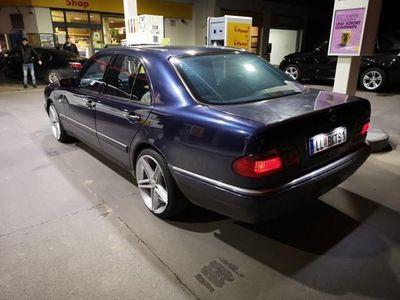 usata Mercedes E300 Avantgarde TD Aut.
