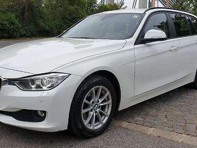 gebraucht BMW 320 3er-Reihe d xDrive Touring Aut. 8-GANG SPORT *XENON* NAVI* KAMERA* SCHALTWIPPEN* SERVICEPAKET* uvm Kombi / Family Van