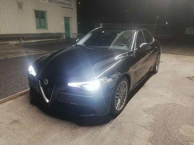 gebraucht Alfa Romeo Giulia 2,0 200 AT RWD Bi-Xenon, Navi, Assistenzsyteme,AHK Limousine