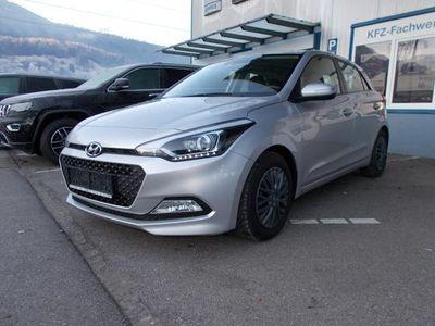 gebraucht Hyundai i20 1,4 CRDi 4 Zylinder Premium + Winterräder
