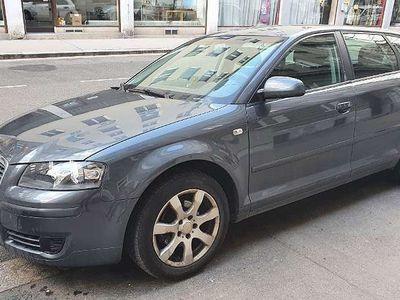 gebraucht Audi A3 Sportback 1.9 TDI Kombi / Family Van