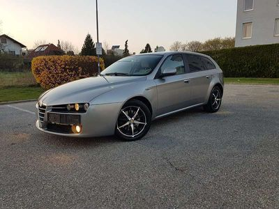 brugt Alfa Romeo 159 159 AlfaSW 1,9 JTDM 16V TI SuperSport mit neuem Pickerl Kombi / Family Van,