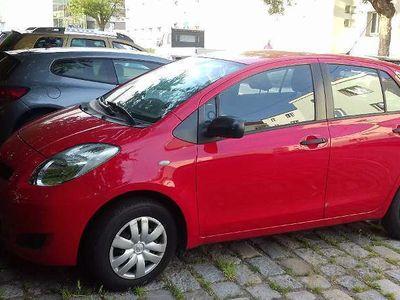 brugt Toyota Yaris 1,0 VVT-i Limousine,