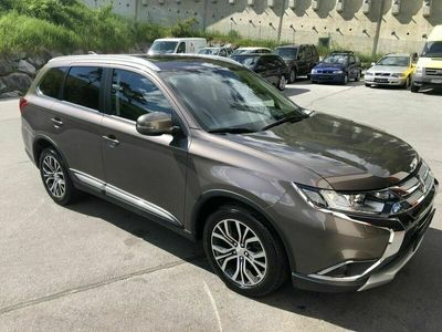 gebraucht Mitsubishi Outlander 22 DI-D AS&G Instyle Connect