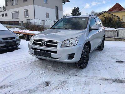 brugt Toyota RAV4 2,2 D-4D 150 DPF Cross Country 4WD LKW SUV / Geländewagen,