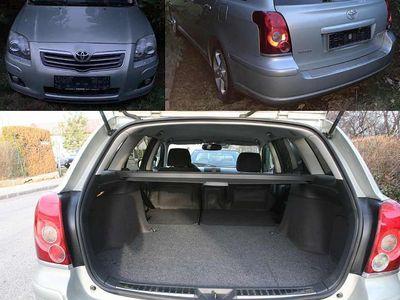 gebraucht Toyota Avensis Highend Hifi - Facelift - Kombi 2,2 D-4D 180 D-CAT Kombi / Family Van