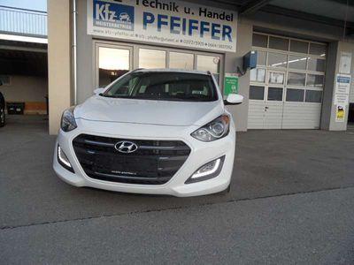 gebraucht Hyundai i30 1,4 CRDi Business Class Kombi / Family Van