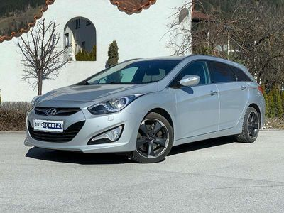 gebraucht Hyundai i40 Style 1,7 CRDi DPF Aut. Kombi / Family Van