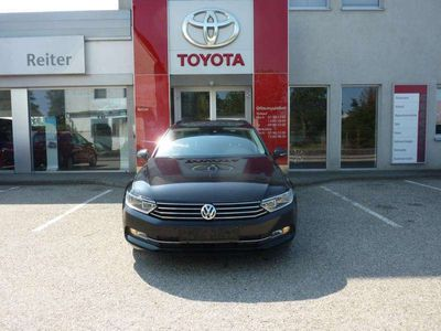 gebraucht VW Passat Variant 1,6 TDI *NAVI*ACC*SHZ*PDC* Kombi / Family Van