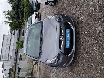 gebraucht Hyundai ix20 1,4 CRDi Europe Kombi / Family Van