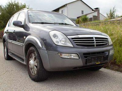 gebraucht Ssangyong Rexton RX 2,7 XDi Premium aut. SUV / Geländewagen