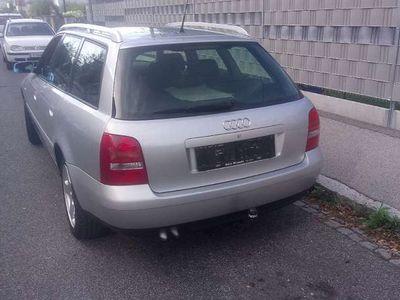 gebraucht Audi A4 1,9 Motor TDI Kombi Kombi / Family Van,