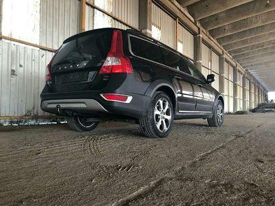 usata Volvo XC70 2.4 D5 AWD GEARTRONIC SUMMUM VOLL Kombi / Family Van,