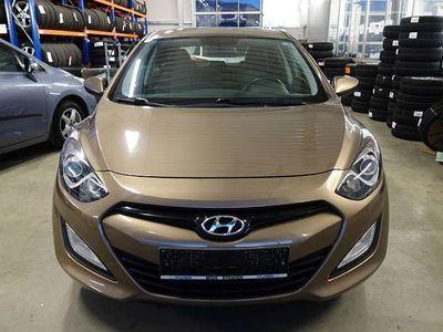 gebraucht Hyundai i30 1,4 CVVT Europe Klein-/ Kompaktwagen