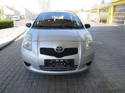 gebraucht Toyota Yaris 1,0 VVT-i Linea Luna Limousine