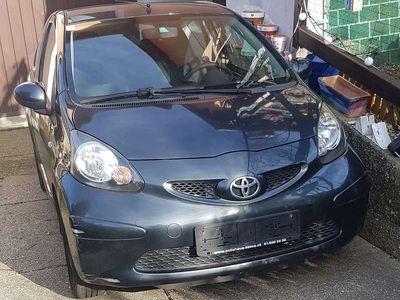 gebraucht Toyota Aygo 1,0 VVT-i Club Limousine,