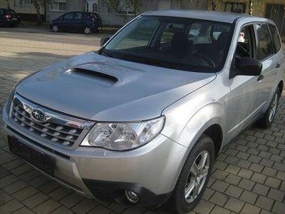 gebraucht Subaru Forester 2,0D Classic SUV / Geländewagen