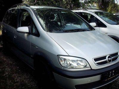 gebraucht Opel Zafira Comfort 2,0 16V DTI Kombi / Family Van,
