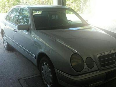 usata Mercedes E300 TD Elegance Limousine,