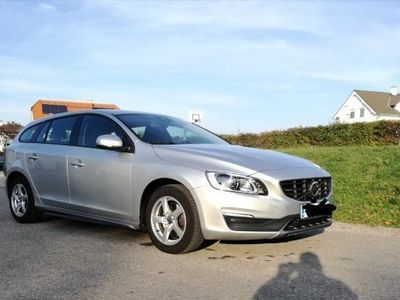 gebraucht Volvo V60 D2 Kinetic R-Design