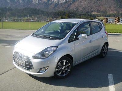 gebraucht Hyundai ix20 1,4 CVVT GO! Kombi / Family Van,