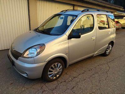 gebraucht Toyota Yaris Verso 1,3 VVT-i Klein-/ Kompaktwagen