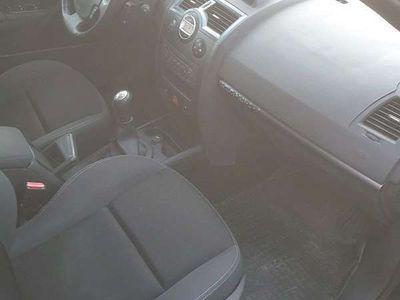 gebraucht Renault Mégane Dynamique Luxus 1,6 16V