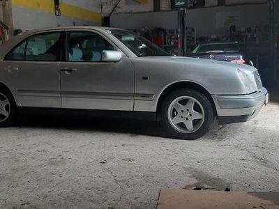 gebraucht Mercedes E240 E-Klasse/Mit Pickerl Limousine