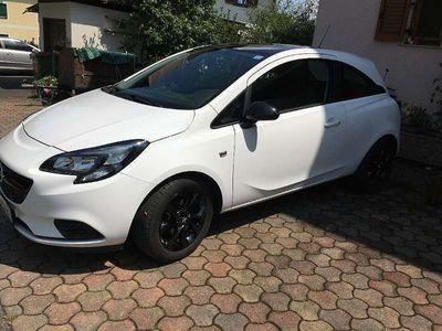 gebraucht Opel Corsa 1,2 l 69 PS 3-T Black-White Edition Klein-/ Kompaktwagen