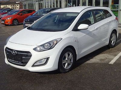 gebraucht Hyundai i30 CW 1,6 CRDi Start/Stopp Ediiton 25 Kombi / Family Van,
