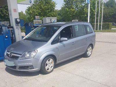 gebraucht Opel Zafira 1.9 CDTi 7 Sitzer Euro 4 Kombi / Family Van,