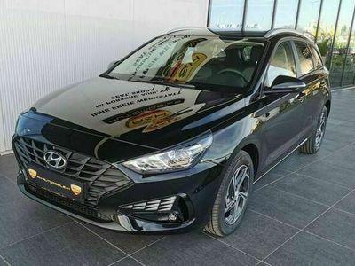 gebraucht Hyundai i30 Wochenakt. CW 1,6 CRDi Trend Line DCT Aut.