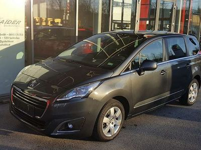 gebraucht Peugeot 5008 1,6 BlueHDi 120 S&S EAT6 Business Line Kombi / Family Van