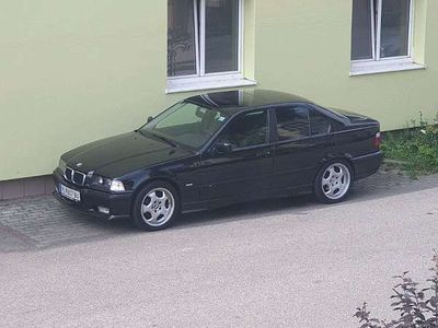 gebraucht BMW 323 3er-ReiheLimousine