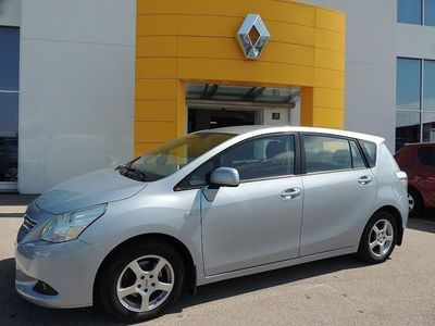 gebraucht Toyota Verso 1,6 Valvematic Young Family