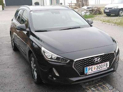 gebraucht Hyundai i30 CW 1,6 CRDi DCT Start/Stopp Premium